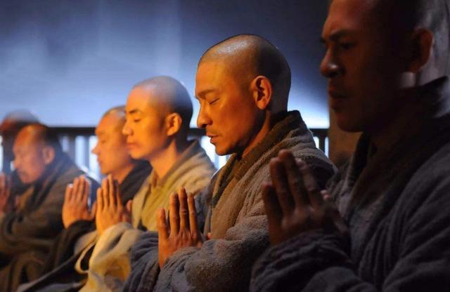 中国古代皇帝有何怪癖?有人放着后宫佳丽三千不喜欢,却专宠男人