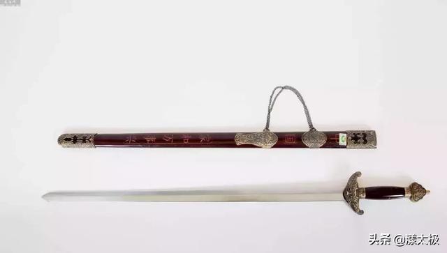 好文 | 论刀与剑