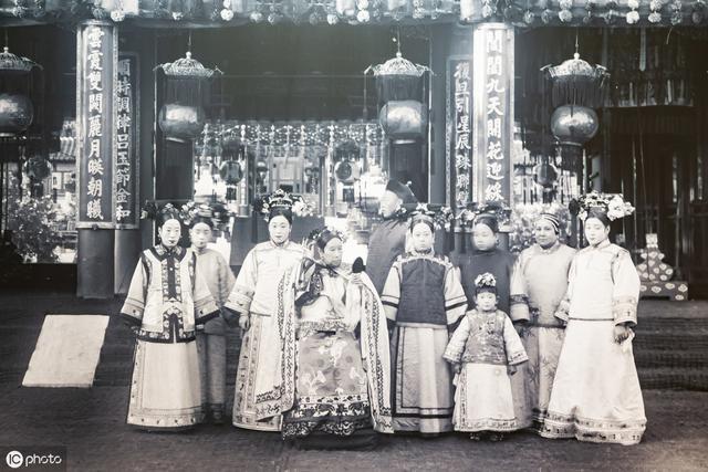 慈禧西逃2年,没带御林军保护,最后为何还能毫发无损的回京?