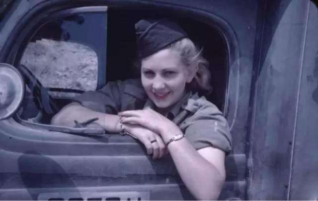 30名女兵的美人计全都失败:二战英军士兵坐怀不乱拒绝泄密