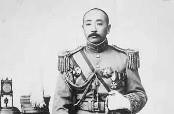 日军最恨的两个人,一个骗走他们5亿,一个见到鬼子就杀